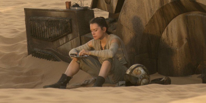 Star-Wars-The-Force-Awakens-Rey-eating-bread